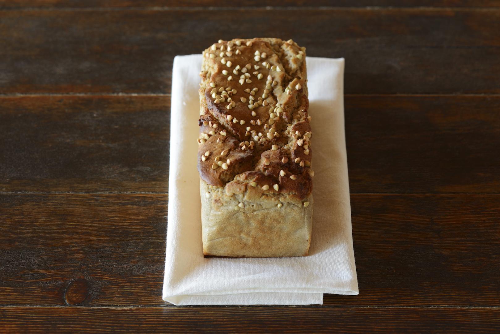そば粉100%のパン 八ヶ岳
